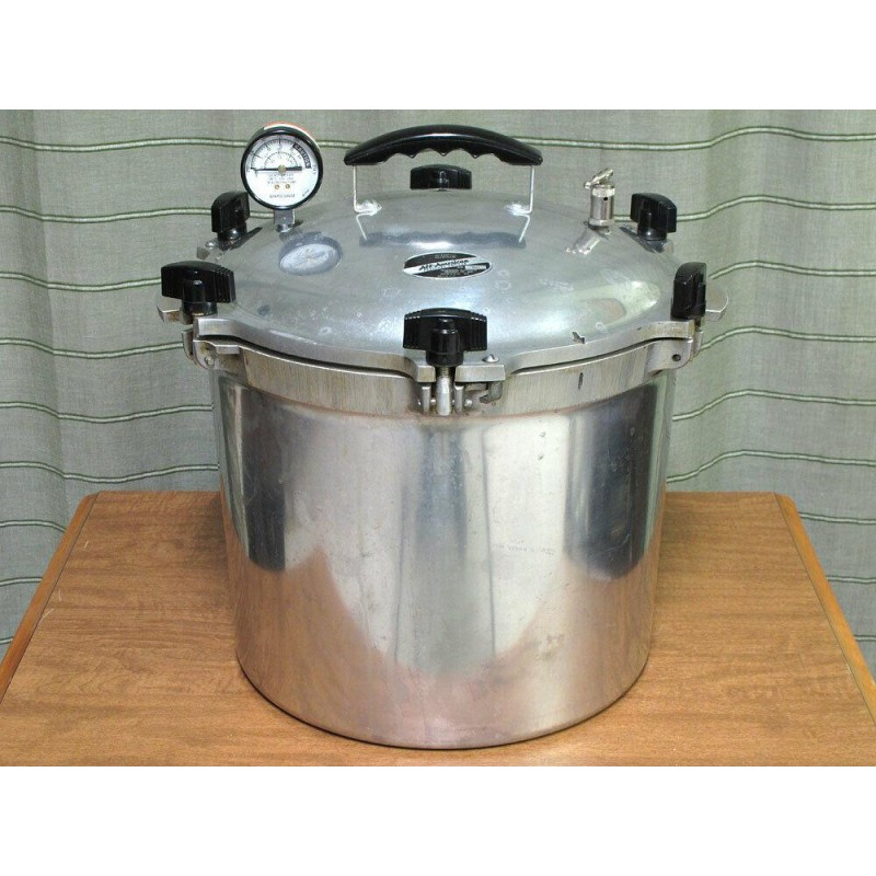All American #921 Pressure Canner/Cooker (21.5 qt) with tray