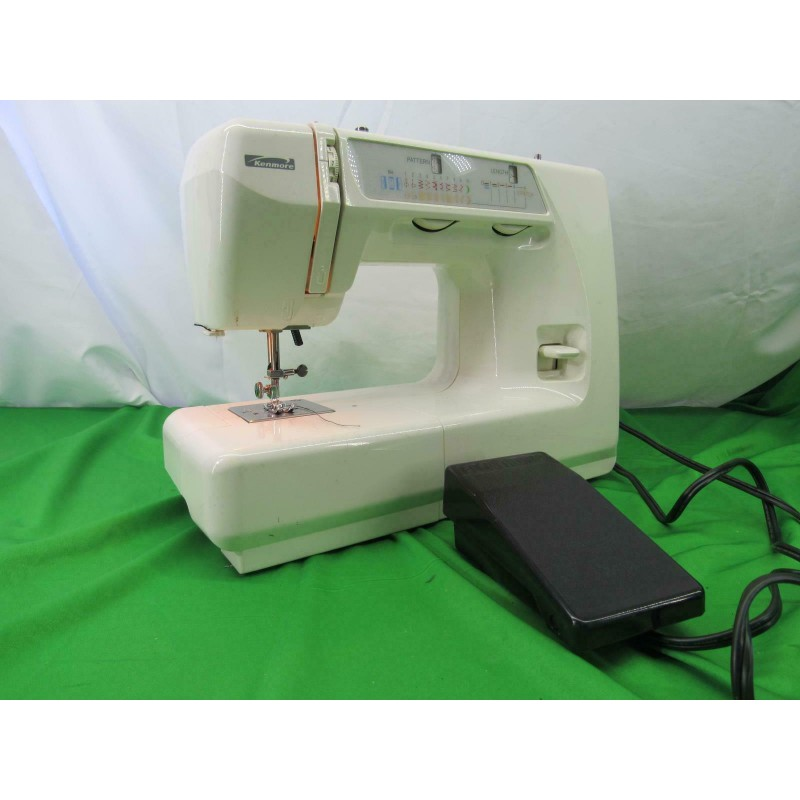 KENMORE MOD 38512318990 SEWING MACHINE WITH PEDAL WHITE USED